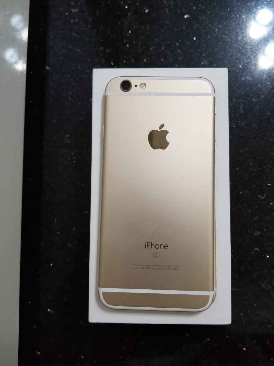 iPhone 6s 64 GB with box and accessories  - photo 2