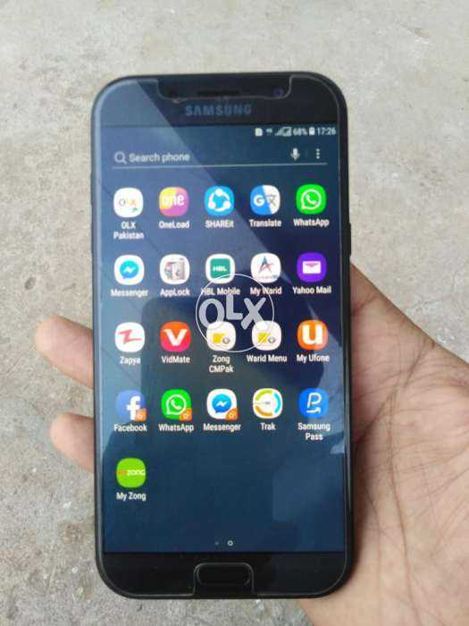 Samsung A7 2017 water proof scratch less condition 10/10