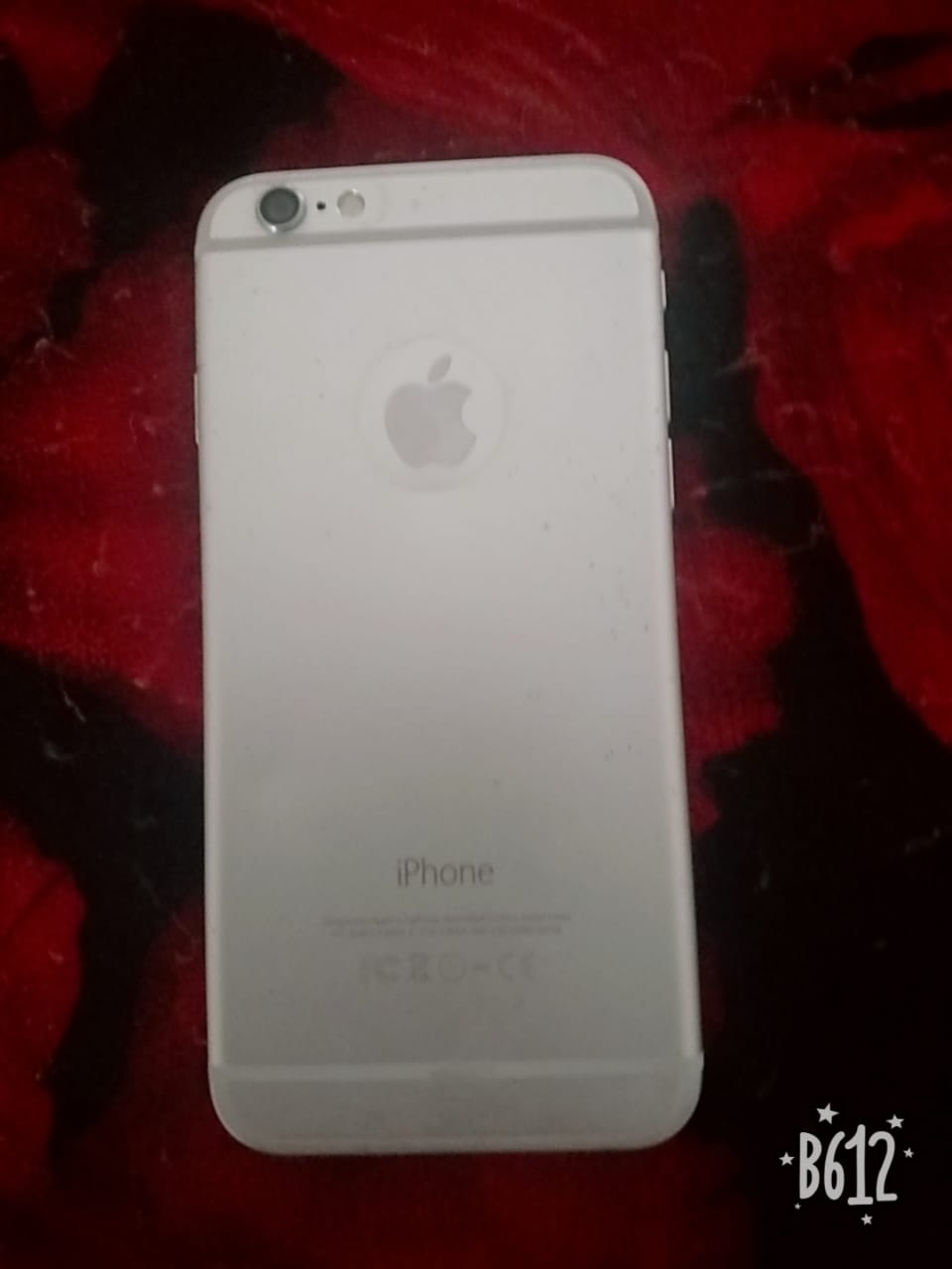iPhone 64 gb in good condition golden color - photo 2