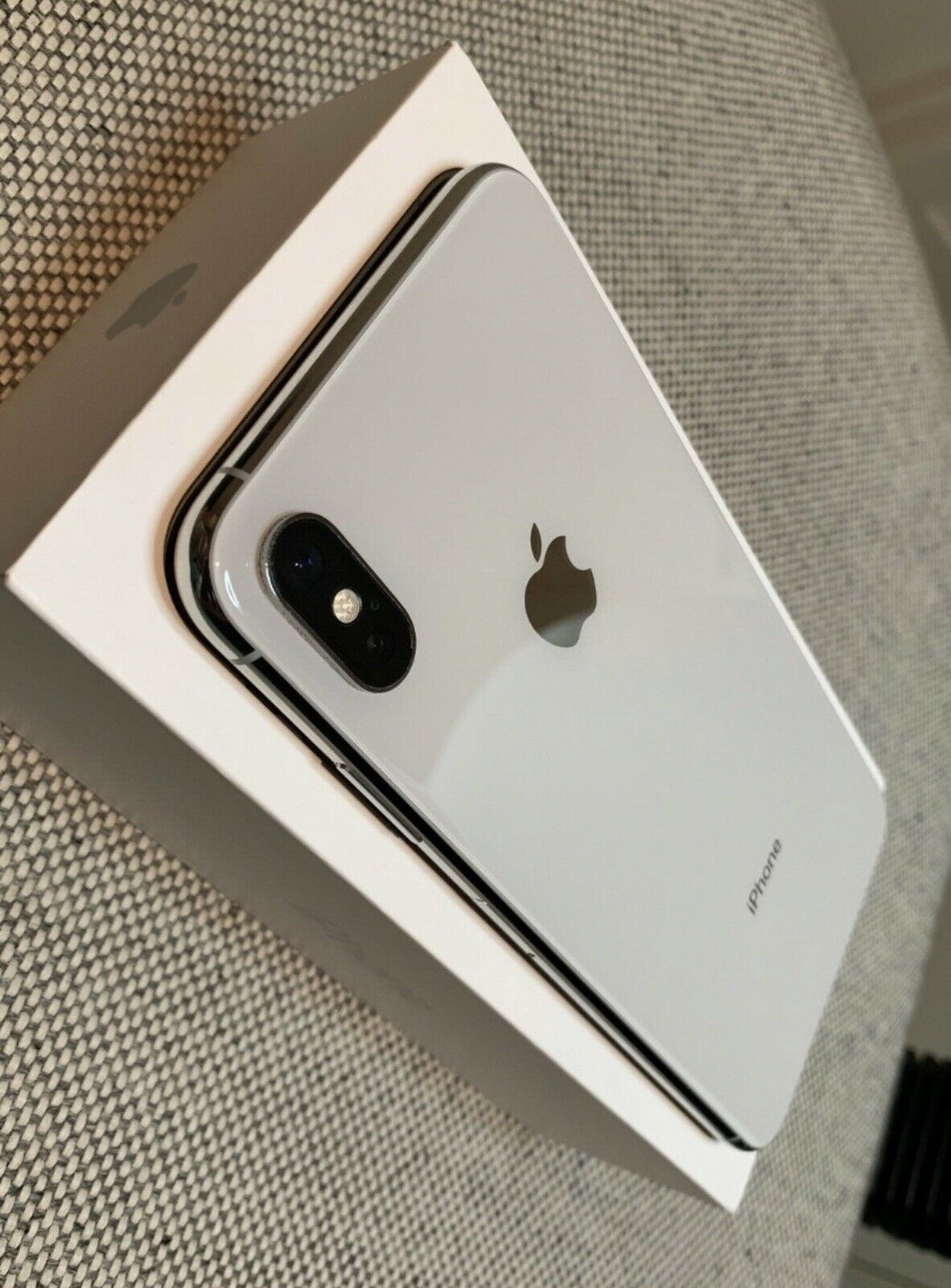 iPhone xs max 512gb available