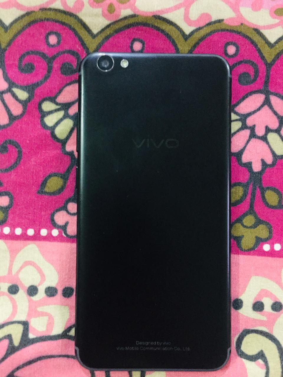 Vivo v5s in 10/10 condition with box - photo 2