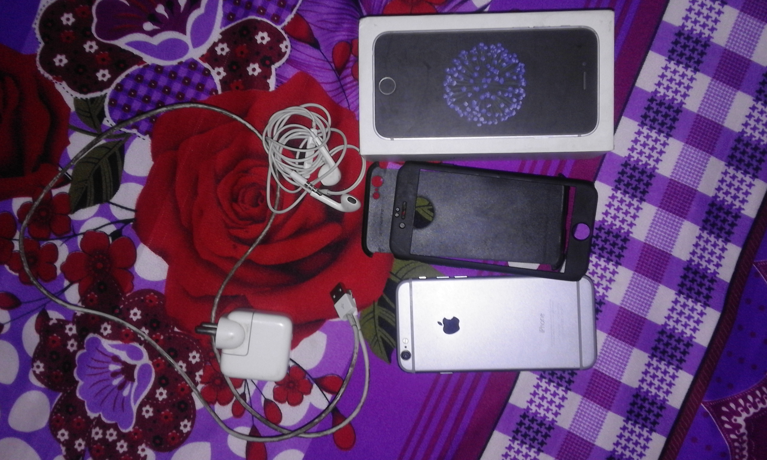 Iphone 6 16gb with original box and accessories - photo 1