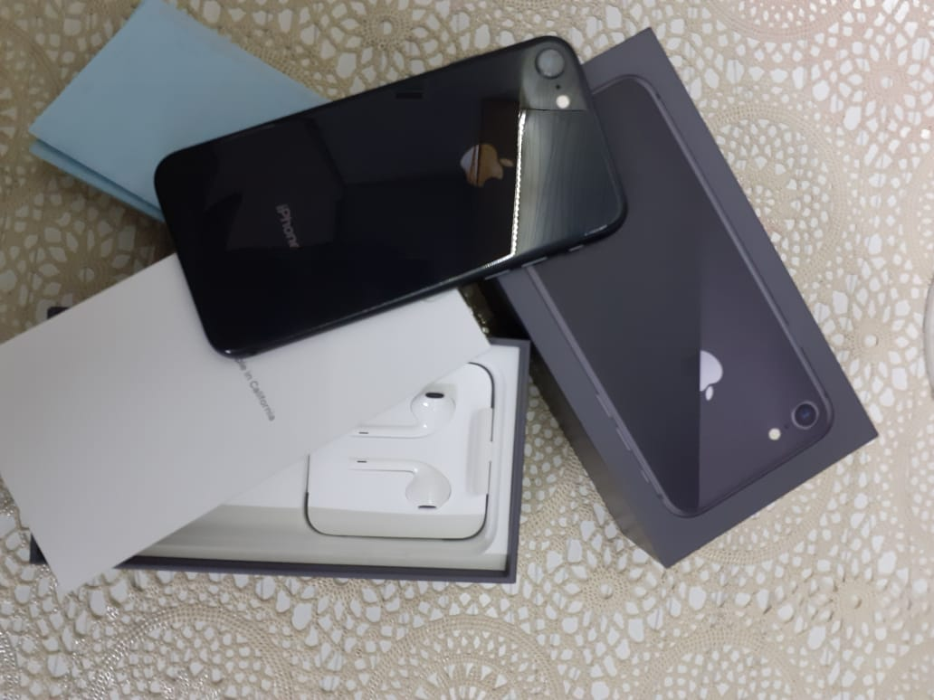 iPhone 8 64 GB Space Gray - photo 3