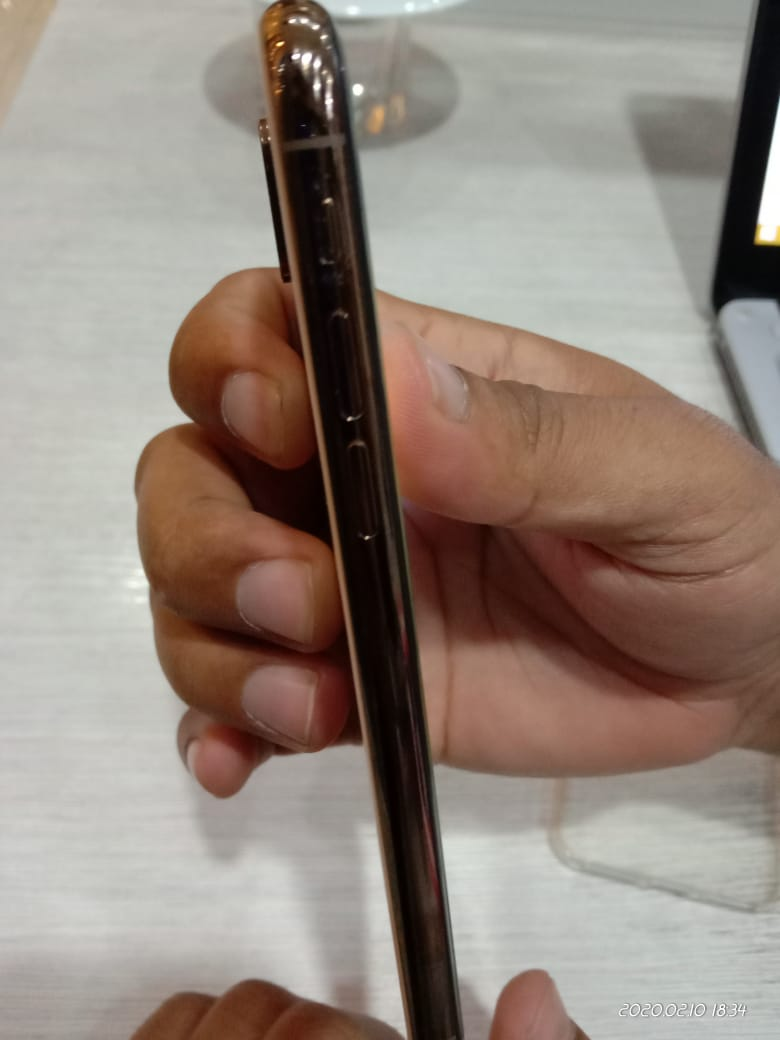 I phone xs Rose Gold PTA Aprroved, Few days used