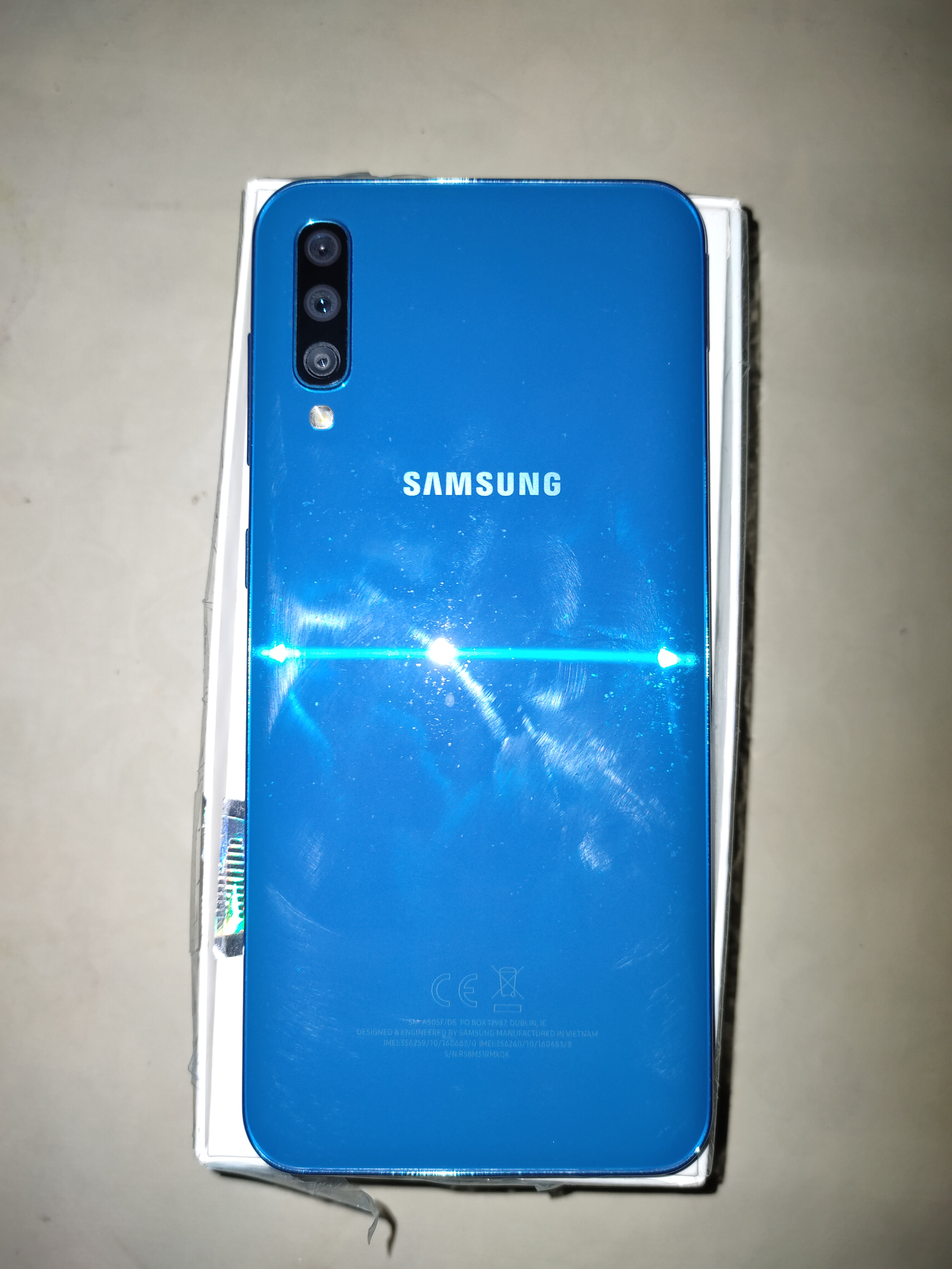 Galaxy A50 with complete box - photo 1