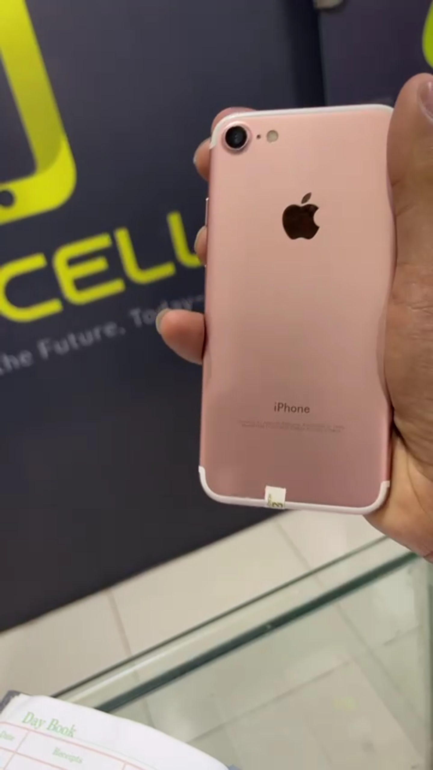 IPhone 7 128gb pta approved - photo 2