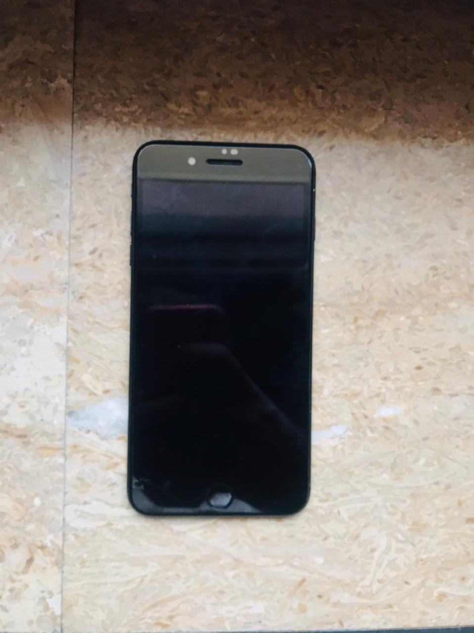 Iphone 7 plus in Excellent Condition - photo 2