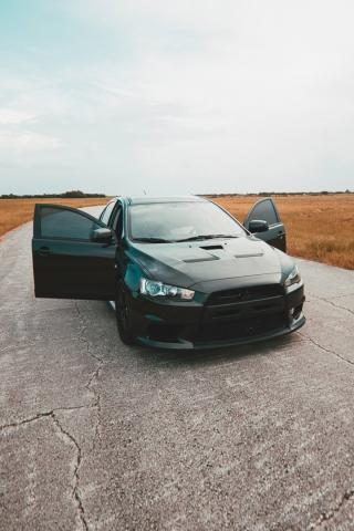 Mitsubishi Lancer  free mobile background