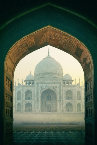 Taj Mahal inside  free mobile wallpapers