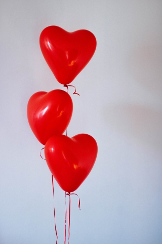Red Heart Balloons  free mobile wallpapers